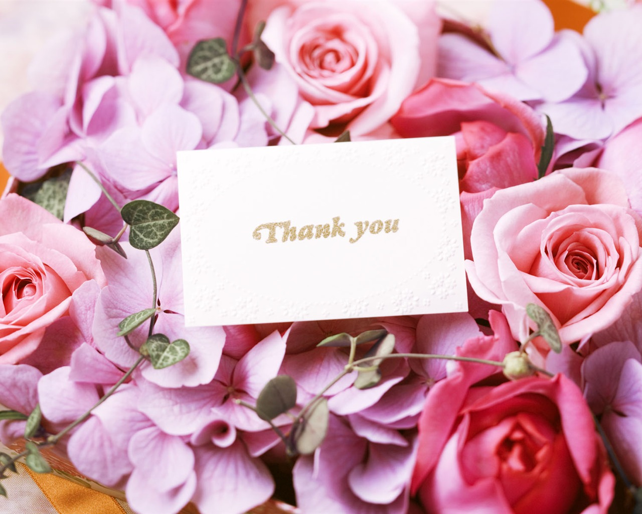 Подпись к фото с цветами в день рождения