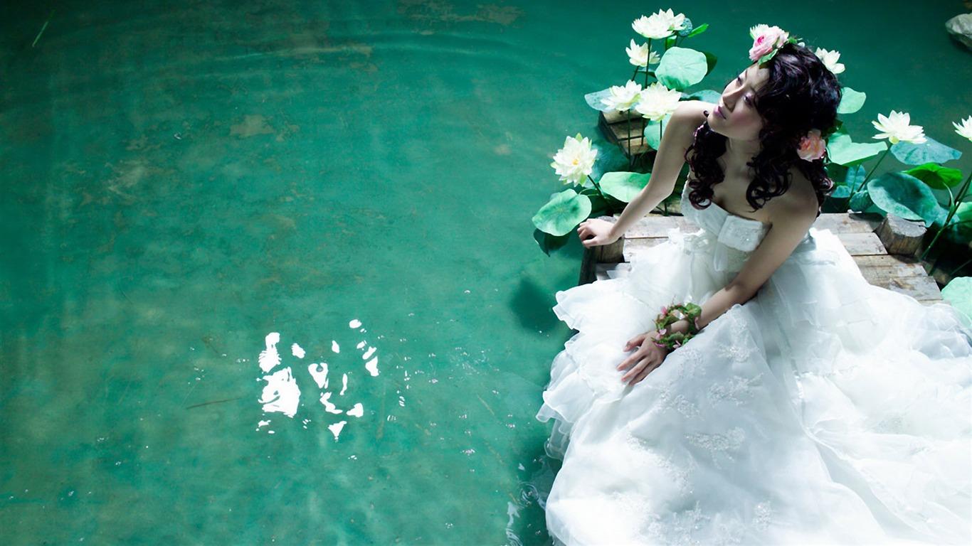 Beautiful Wedding Photography Wallpaper 21 1366x768 Wallpaper