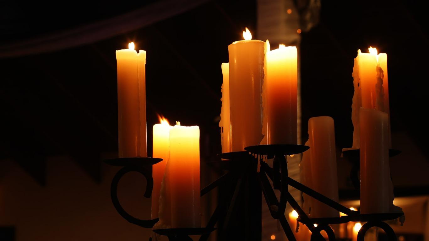 Почему дома трещит церковная свеча