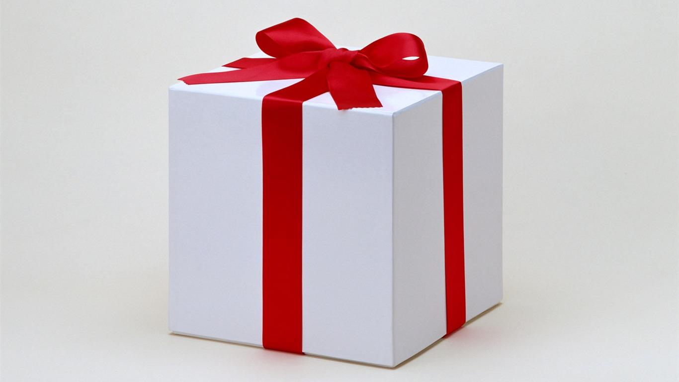 Как нарисовать коробку из под подарков