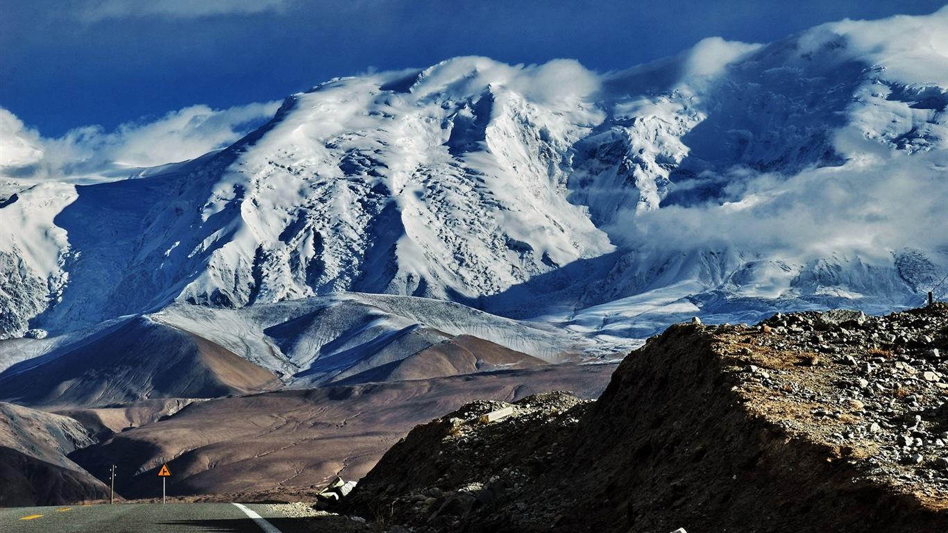 帕米尔高原美丽的风景 高清壁纸13 - 1366x768