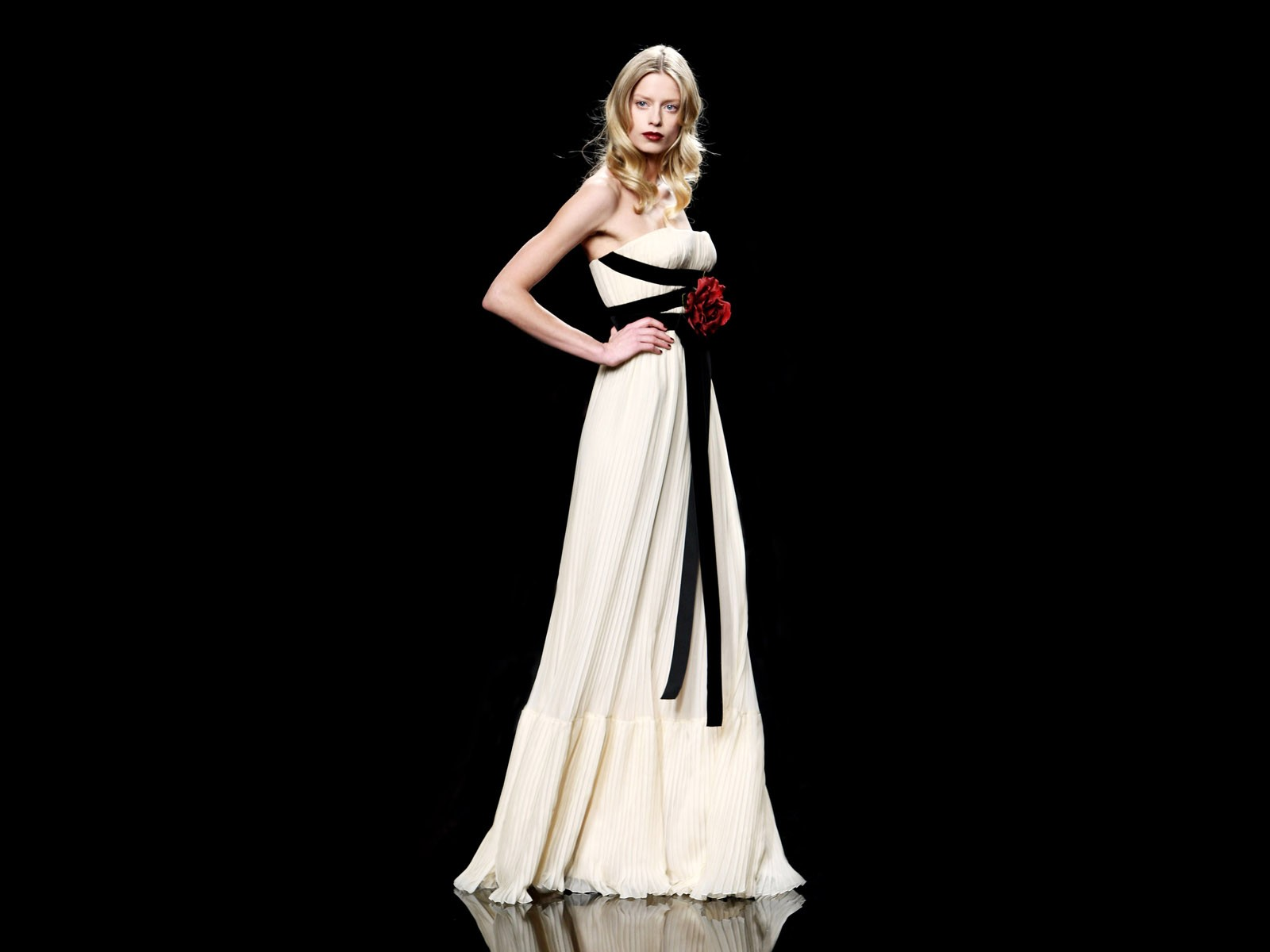 160050 in Western European fashion - Wikipedia 10