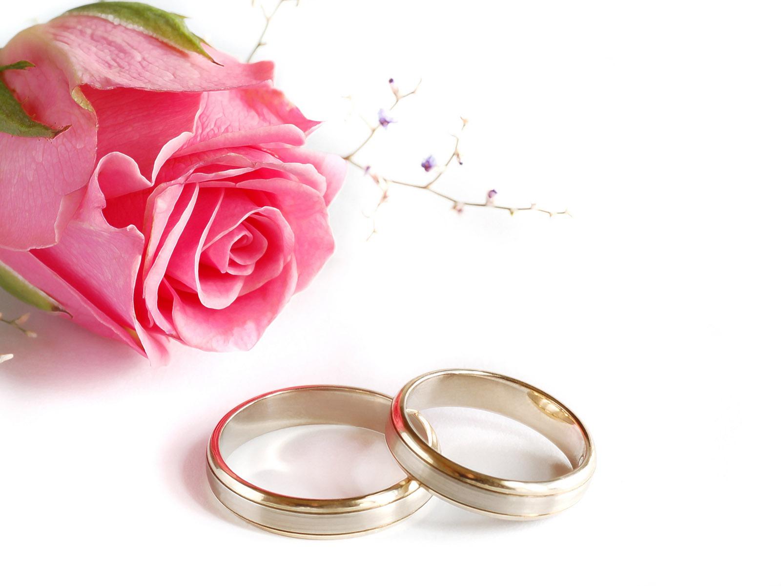 Поздравление с днём свадьбы короткое и красивое