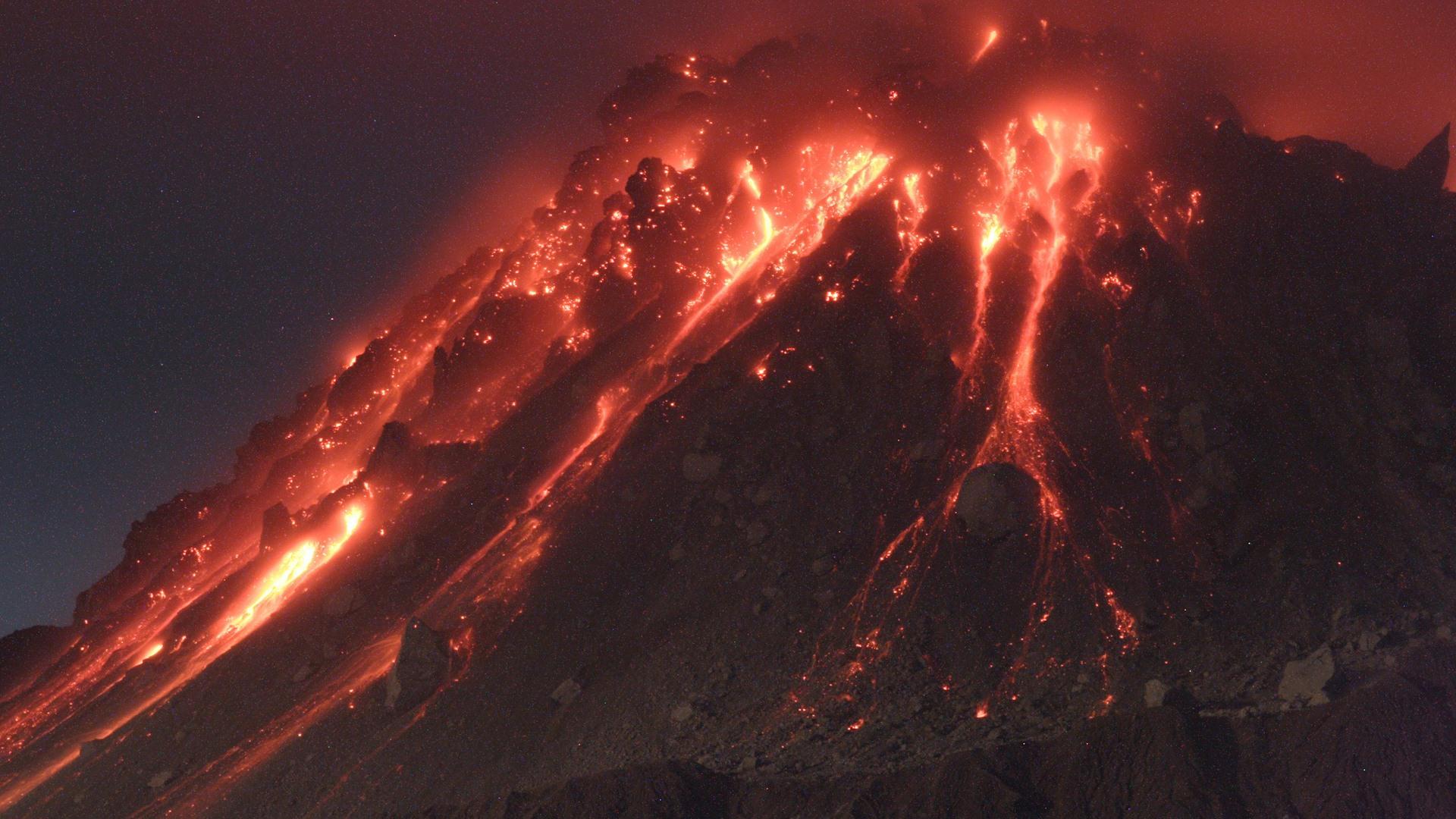 V Is For Volcano Vulkanausbruch von der...