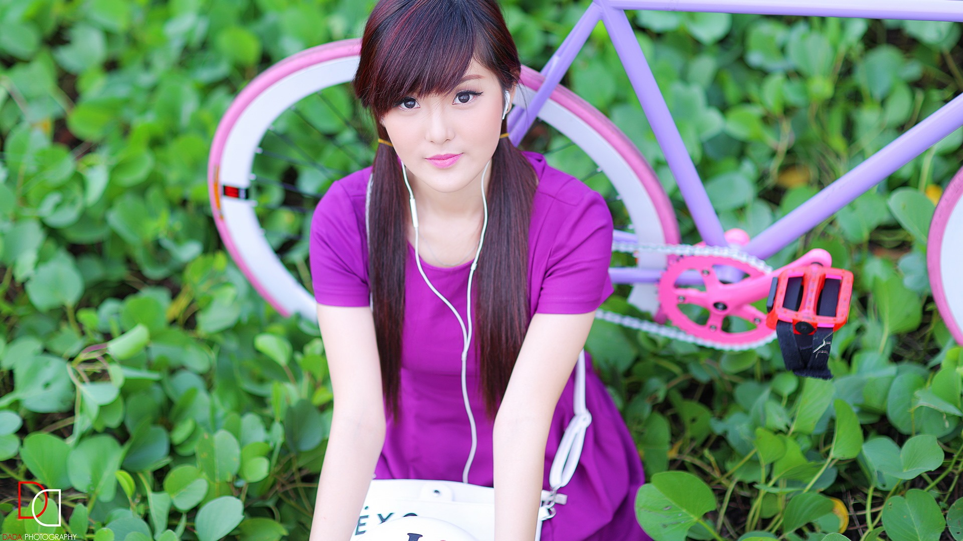 Pure And Lovely Young Asian Girl Hd Wallpapers Collection 5 34