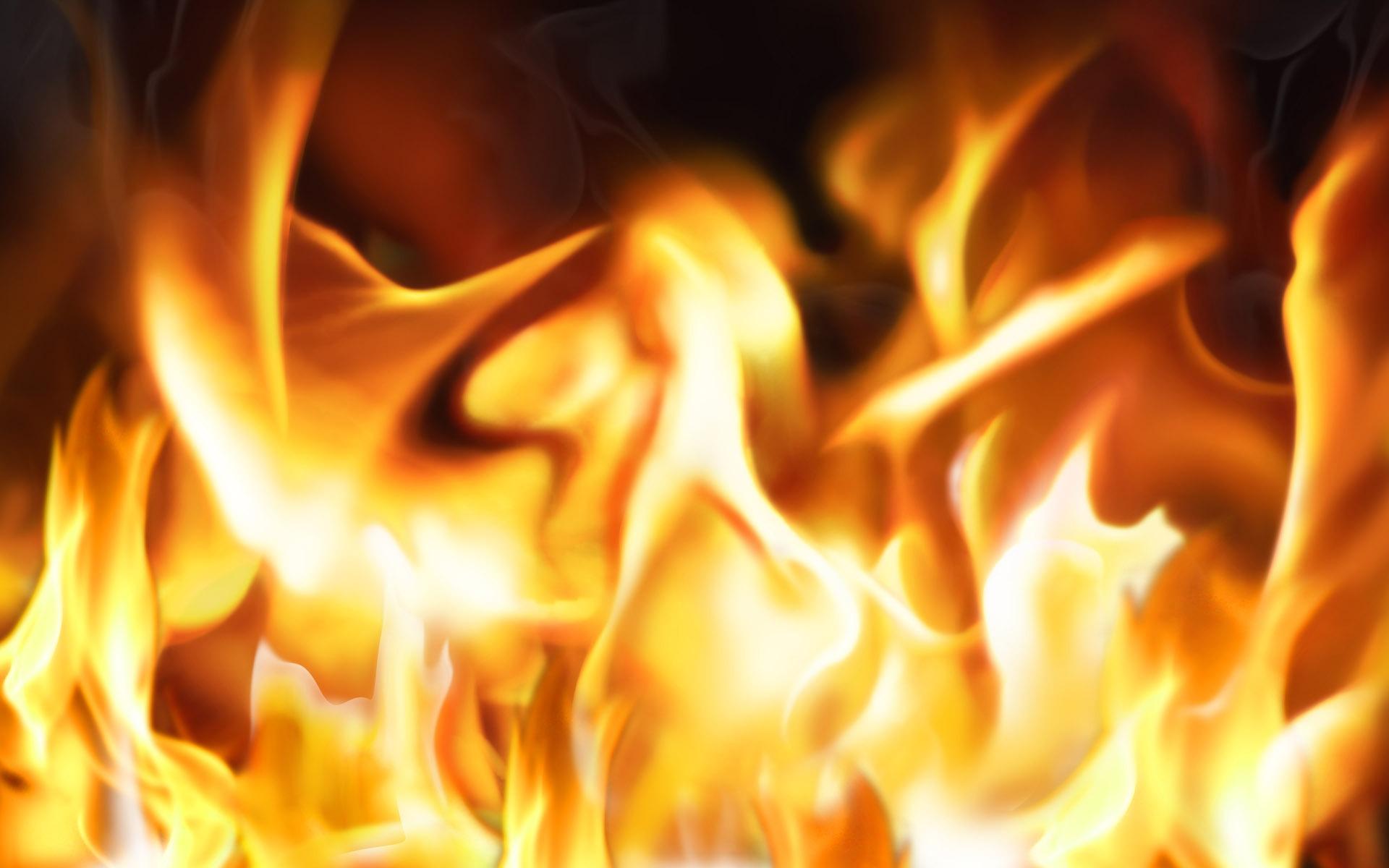 炎の特徴のHD壁紙 #1 - 1920x1200   炎の特徴のHD壁紙 #1