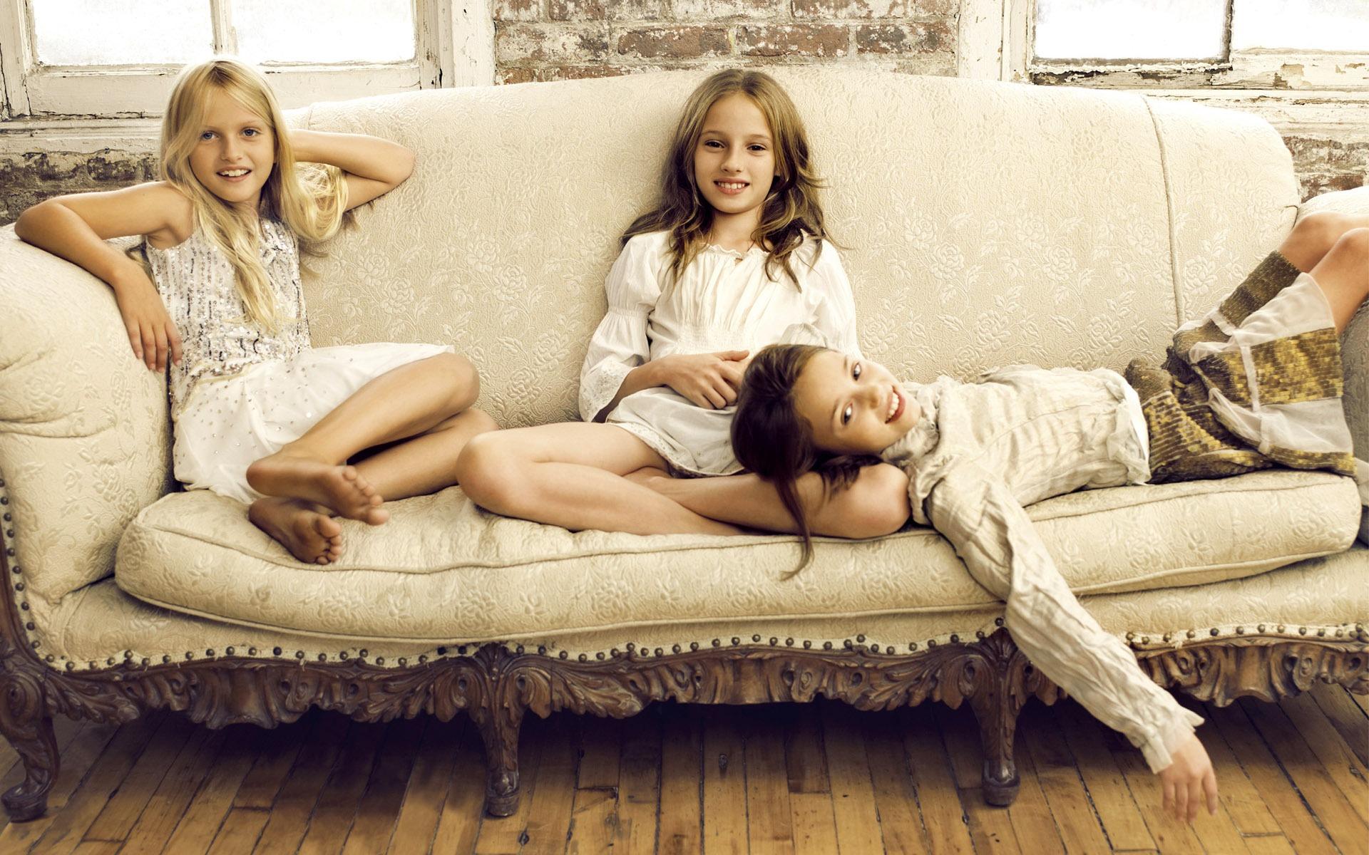 Фото девочек 8 9 без одежды, Девушки в одежде и без. Частное интим фото 18 15 фотография