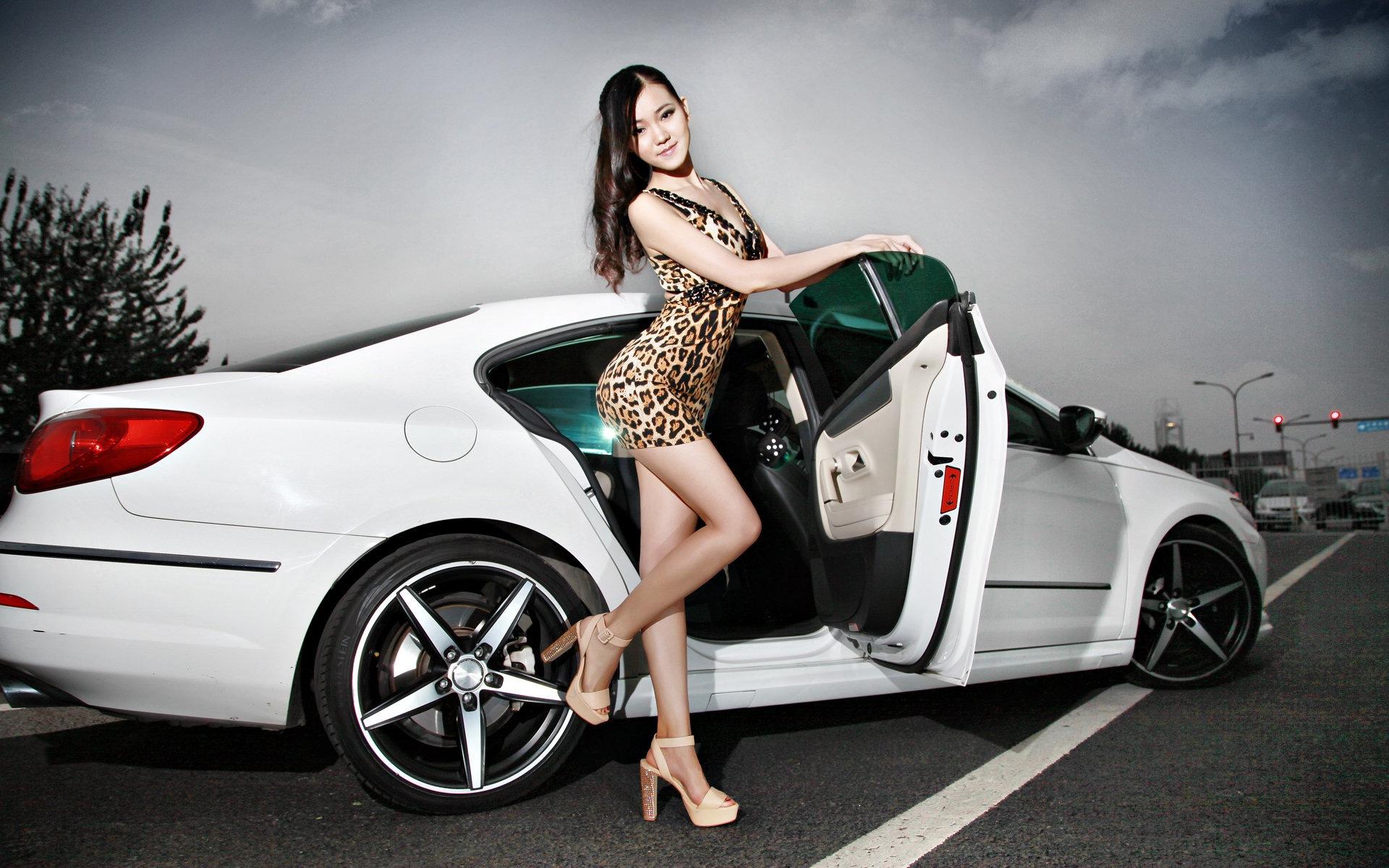Идеи фото с автомобилем для девушек