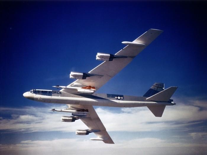 B 52 (航空機)の画像 p1_21