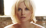 Charlize Theron beautiful wallpaper (2)
