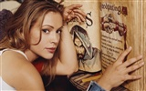 Alyssa Milano beautiful wallpaper (2)