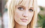 Ashlee Simpson beautiful wallpaper