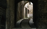 Windows 7 Wallpapers: Cobblestones And Corridors #10